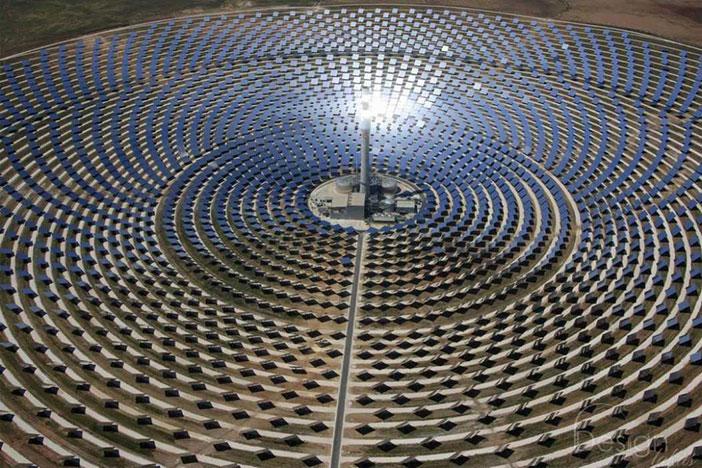 Sahra Çölü'ne Güneş Panelleri